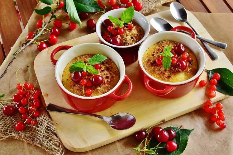 Crème brûlée met rood fruit