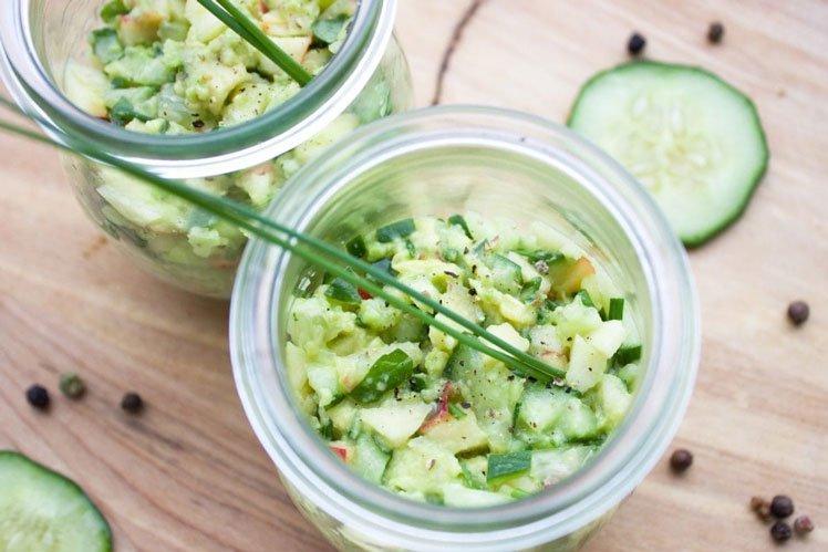 Kruidige komkommersalade met appel